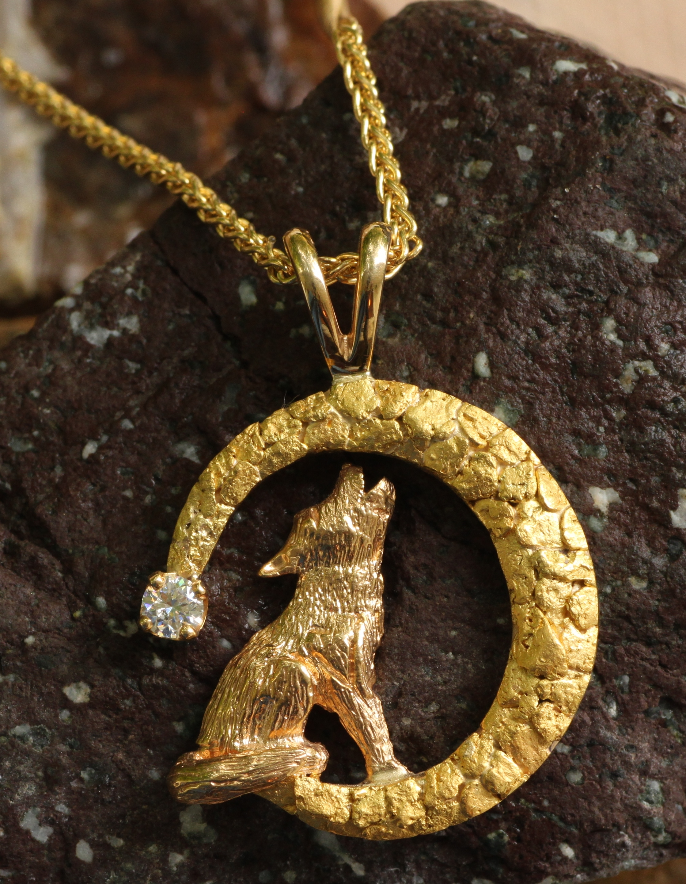 Howling Wolf Pendant in 14kt Yellow Gold with Diamond