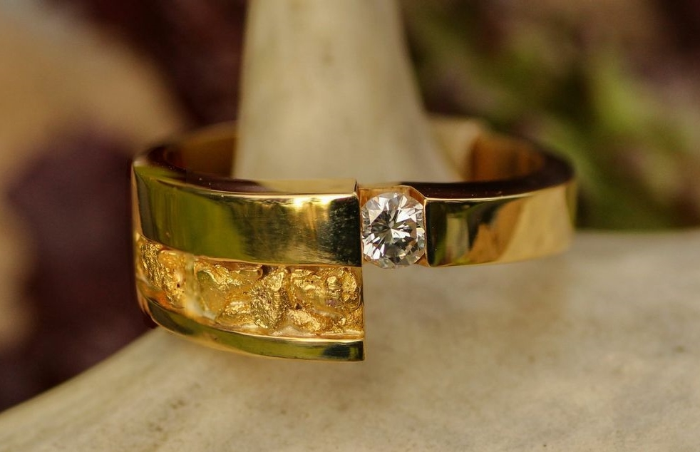 Alaskan Gold Nugget Ring and diamond in 14kt Yellow Gold.