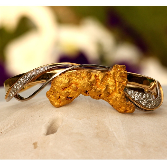 Alaskan Gold Nugget and Diamond Bracelet in Yellow Gold