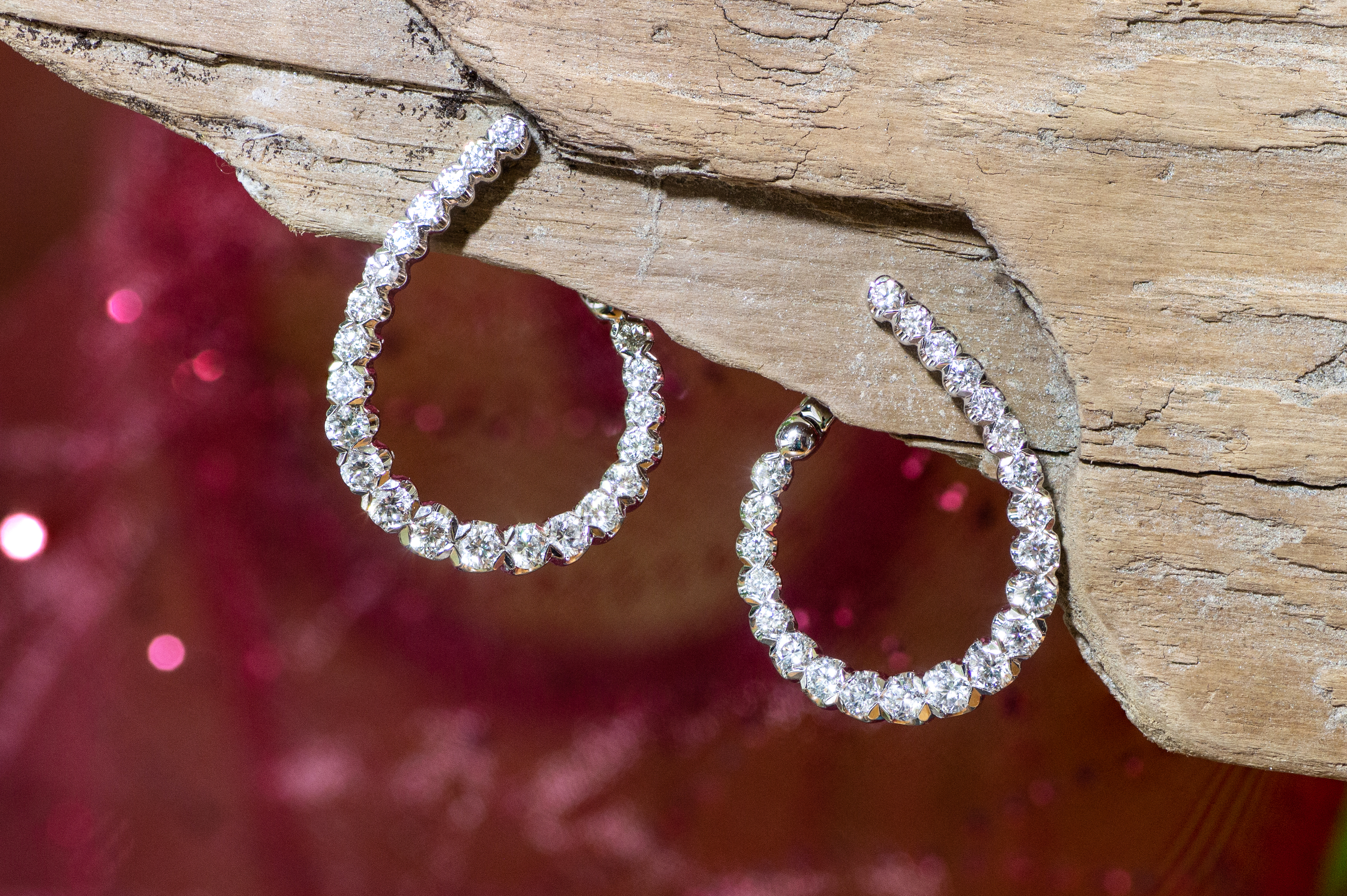 Stunning earrings in White Gold with Diamonds
