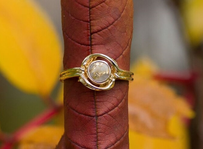 Gold Quartz Ring in Yellow Gold