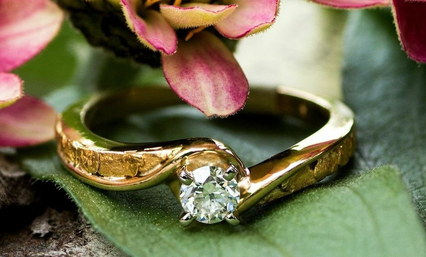 Custom Alaskan Gold Nuggets Diamonds in 14kt Yellow Gold wedding ring.