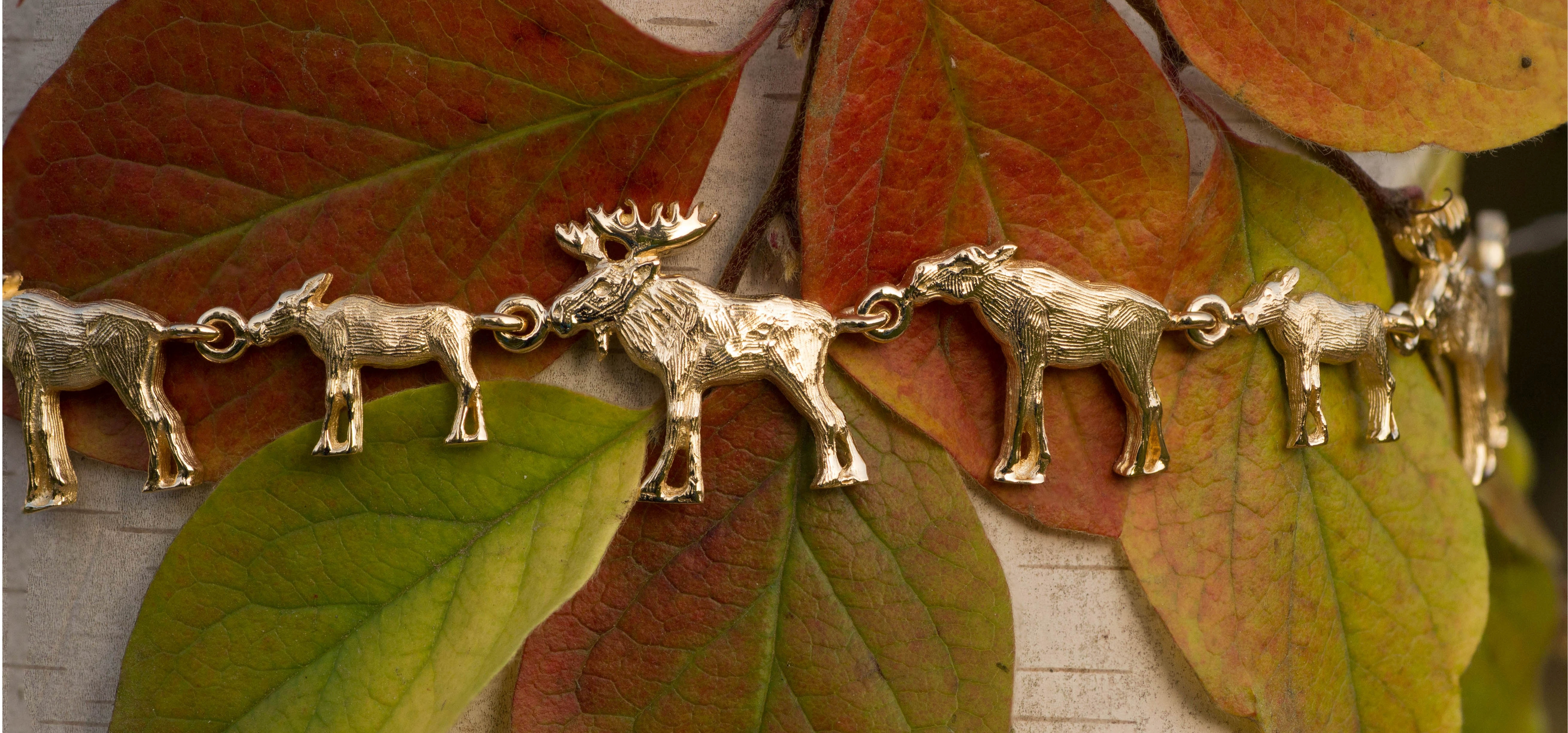 Wild Alaska Moose Bracelet in Yellow Gold